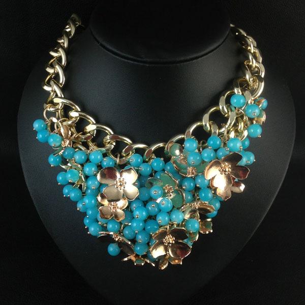 89cda8f721cf Ya tenemos una selección esxclusiva de los collares más bonitos de la  tienda y con un descuento del 20%