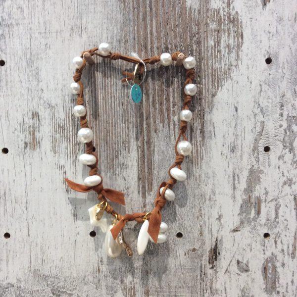 Collar corto perlas