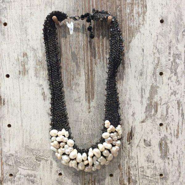 Collar corto artesano perlas agua dulce