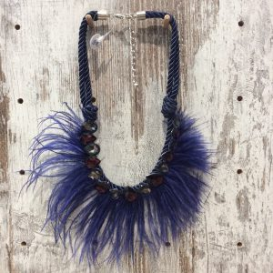 Collar gargantilla plumas cristal