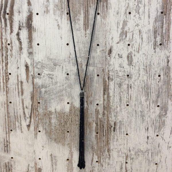 Collar largo piedras facetadas negro